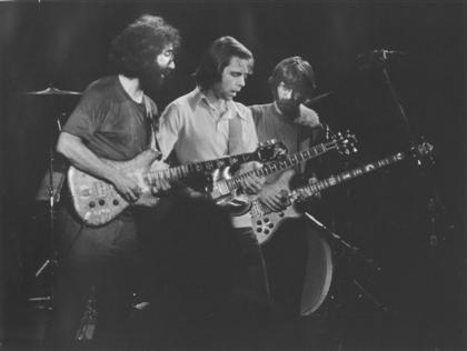 Grateful Dead on stage at Winterland 10-19-74